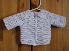 crochet newborn sweater for boys free pattern | Preview This Free Crochet Pattern: Cardigan for Babies
