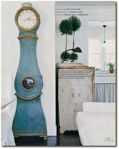 Linda-And-Lindsay-Kennedy-California-Bungalow-Decorated-In-The-Swedish-Style-Page-3-500x625.jpg (500×625)