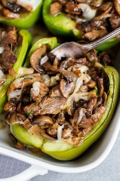 Philly Cheesesteak Stuffed Peppers (low-carb) - Momsdish Low Carb Recipes, Beef Recipes, Cooking Recipes, Healthy Recipes, Simple Recipes, Easy Cooking, Healthy Eats, Soup Recipes, Recipes