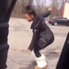 Funny Video Memes, Funny Short Videos, Really Funny Memes, Funny Relatable Memes, Twerk Dance, Dance Sing, Dance Music Videos, Dance Choreography Videos, Music Mood
