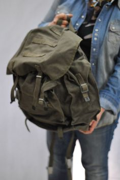Vintage ARMY BACKPACK , army bag , military backpack....   condition like new  Made of thick canvas original army backpack    Measurements:  width