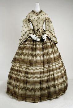 29-10-11  Dress  Date ca. 1858