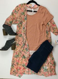 Lularoe outfit. Shirley kimono, Classic t, skinny jeans, open toe booties.