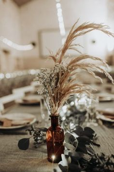 A wedding at Domaine de Mauprié in Lusignan – the barefoot bride - Moyiki Sites Boho Wedding, Wedding Table, Floral Wedding, Fall Wedding, Rustic Wedding, Wedding Flowers, Dream Wedding, Crystal Wedding, Wedding Centerpieces
