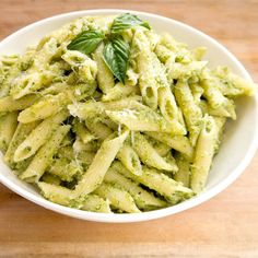 Healthy Broccoli pesto pasta