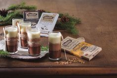 Cocina con Nestlé Postres | Nestlé Cocina Candle Jars, Candles, Food And Drink, Tres Chocolates, Drinks, Cooking, Chocolate Blanco, Robot, Bedroom