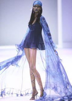 90s Fashion, Couture Fashion, Runway Fashion, Fashion Show, Vintage Fashion, Fashion Outfits, Fashion Design, Dr Shoes, Lookbook