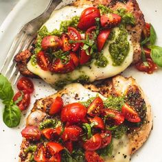 Simple, healthy grilled chicken margherita with melted mozzarella cheese, pesto and tomato basil garnish. Source by & The post Chicken Margherita appeared first on Food Monster. New Recipes For Dinner, Gluten Free Recipes For Dinner, Healthy Dinner Recipes, Diet Recipes, Chicken Recipes, Dinner Ideas, Pasta Recipes, Recipe Chicken, Diet Meals