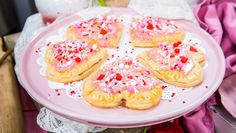 "Strawberry Blood Orange Heart-Shaped Hand Pies will be the talk of Sundays! Serve these sweet treats at your Watch Party! ""When Calls the Heart,"" Season 6 premieres February 24 at only on Hallmark Channel! Melting White Chocolate, Chocolate Orange, Strawberry Cakes, Strawberry Recipes, Just Desserts, Delicious Desserts, Pie Recipes, Cooking Recipes, Heart Shaped Hands"