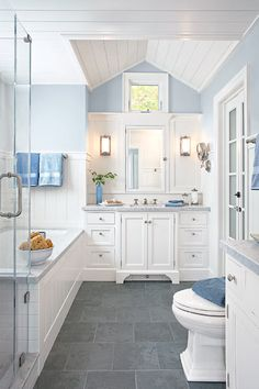 Light gray slate bathroom floor: 35 large blue bathroom tiles ideas and pictures 40 grey slate bathroom floor tiles ideas and pictures slate gray porcelain tile, white subway tile, murray fiess Grey Bathroom Floor, Grey Bathrooms, Bathroom Flooring, Beautiful Bathrooms, Small Bathroom, Light Bathroom, Gray Floor, Kitchen Floor, Gray And White Bathroom