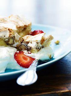 Jordbær er en sommerklassiker, og der talrige måder at nyde sine jordbær på, her får du en favorit opskrift.