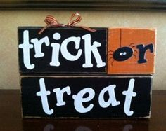 Wood Trick or Treat Blocks - Wood Halloween blocks - Seasonal Home Decor for… halloween projects Halloween Blocks, Halloween Wood Signs, Halloween Wood Crafts, Halloween Crafts, Halloween Stuff, Rustic Halloween, Outdoor Halloween, Halloween Ideas, 2x4 Crafts