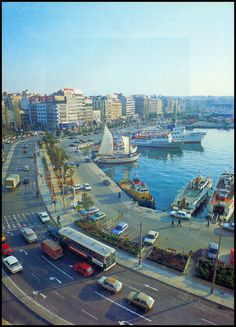 Greece History, Zorba The Greek, Athens Greece, Old City, Historical Photos, Old Photos, New York Skyline, Sailing, Explore