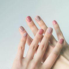 38 Stunning Neutral Nail Art Designs 2019 pink and grey colored nails Taupe Nails, Pink Nails, My Nails, Blush Nails, Pastel Nail Polish, Pastel Nails, Acrylic Nails, Coffin Nails, Gradient Nails