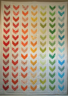 Rainbow Chevron quilt by Leigh from leedle deedle quilts :) Chevron Quilt Tutorials, Quilting Tutorials, Quilting Projects, Quilting Ideas, Sewing Projects, Sewing Tutorials, Rainbow Chevron, Rainbow Quilt, Twin Quilt