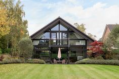 This spectacular house, with over 3,000 sq ft of internal space, was built to the designs of the architect Peter Huf in 2003. It is situated on a sought-after residential road in the village of Tilehurst, Berkshire and benefits from wonderful landscaped level gardens at the rear. It is a short walk from Tilehurst station, […]