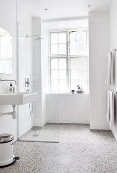 white bathroom with terrazzo floor . white bathroom with terrazzo floor Unique Bathroom Sinks, Tiny House Bathroom, Bathroom Toilets, Bathroom Design Small, Laundry In Bathroom, Bathroom Interior, Modern Bathroom, White Bathrooms, Bathroom Ideas