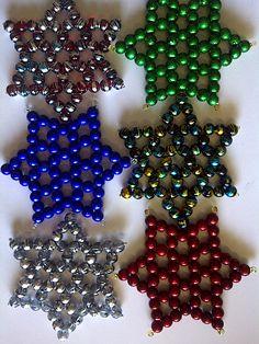 Beaded Christmas Stars Easy To Make Christmas Ornaments, Christmas Arts And Crafts, Christmas Ornaments To Make, Christmas Stars, Beaded Crafts, Beaded Ornaments, Beaded Boxes, Bead Crochet, Bead Art