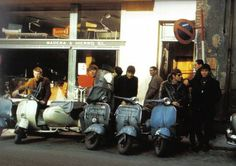 The Animals with Scooters. Eric Burdon, 60s Music, British Invasion, Best Rock, Rock Music, Baby Strollers, Blues, Animals, Scooters