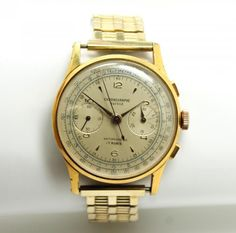 This is a handsome vintage Swiss men's Chronograph wristwatch dating to the 1950s/60s. The wonderful gold plated watch features a separate dial for the second hand and another to track the time passed on the stopwatch feature.
