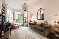 Domus Nova - Ladbroke Grove, W10. two Bedroom Flat Kensington