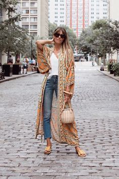 Boho Robe, Kimono Robe, Beach Cover Up, Rosa in Orange – Cotton Rose Boho. Boho Outfits, Boho Summer Outfits, Casual Outfits, Fashion Outfits, Fashion Tips, Boho Fashion Summer, Kimono Diy, Mode Kimono, Kimono Outfit