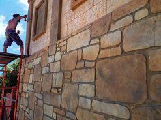 Фото наших работ. Отделка стен и полов, заборов и ступеней.. под камень, дерево, шкуру, кирпич...