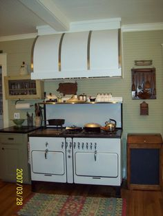 vintage range hood for sale | When I first saw the barrel hood by Modernaire, I knew it was the only ...