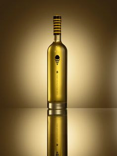 'B' is a new premium Cachaça. Raimundo Favacho and Patricia Ebner of San Francisco based advertising agency Pereira & O'Dell developed a packaging solution, based around a 'sting shot' theme.