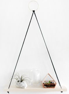 These DIY apartment decorating ideas on a budget will help you decorate for less and maximize the space in your apartment. With these DIYs, you can make your apartment look classy without spending much money! Kitchen Apartment Decorating Ideas $30 DIY Marble Countertops All you need is contact paper! Hanging Kitchen Garden clay pots + white spray …