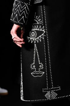 Imagine if this was in reflective thread! -->Valentino Fall 2016 Menswear Fashion Show Details