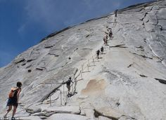 Les escaliers les plus effrayants et les plus raides au monde Half Dome, Parc national de Yosemite, Etats-Unis