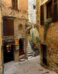 Village de Tourrettes-sur-Loup, Provence, France