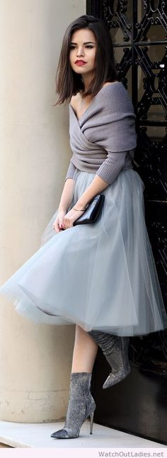 Wonderful blouse, skirt and boots design