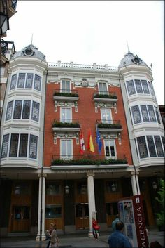 Edificio de Jerónimo Arroyo.