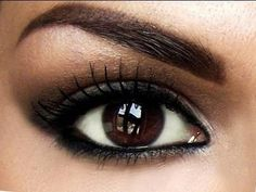 great to see eye makeup that makes DARK brown eyes POP! Now if I can just figure out how to do that.its gorgeous! Eye Makeup Tips, Smokey Eye Makeup, Makeup Eyeshadow, Smoky Eye, Makeup Ideas, Hair Makeup, Make Eyes Pop, Brown Eyes Pop, Dark Eyes