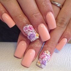 I'm typically not a floral person... but, these nails deserve to be pinned.