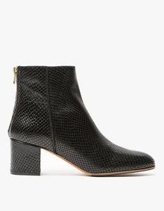 Mei Boot in Black Snake