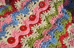 "Мусатова Оксана Хобби: Пальто ""бабушкин коврик"" Crochet Poncho, Love Crochet, Crochet Motif, Crochet Style, Crochet Ideas, Crochet Patterns, Irish Lace, Crochet Fashion, Yarns"