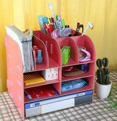Diy Holz Pflanzen - Diy For Teens Art - - Diy Fashion Tips - Diy Organization Room Cardboard Furniture, Cardboard Crafts, Craft Storage, Storage Boxes, Storage Rack, Diy Desktop Organizer, Diy Organizer, Diy Karton, Carton Diy