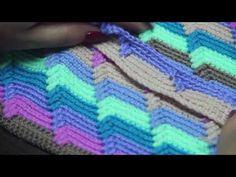 3D узор. Очень легко и просто. - YouTube Crochet Slippers, Blanket, Knitting, Model, Youtube, Crochet Carpet, Groomsmen, Crochet Stitches, Chunky Yarn