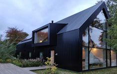 Architecture – Enjoy the Great Outdoors! Building Design, Building A House, Black House Exterior, Weekend House, Shed Homes, Modern Barn, Facade House, House Facades, Modern House Design