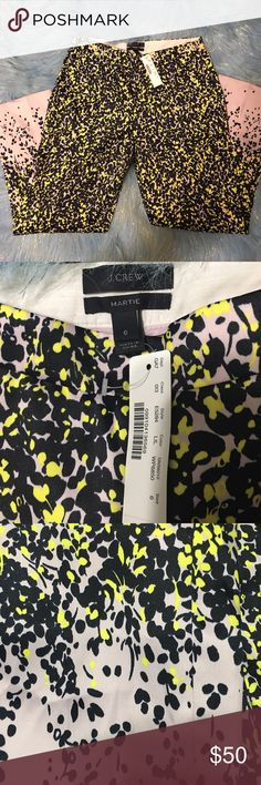✨J. Crew pants✨ NWT super fun J. Crew Martie pants. Light pink, black and bright yellow. 100% Polyester. Size 6 inseam 26 J. Crew Pants Trousers