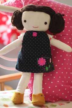 Kit, Chloe, and Louise, a doll pattern by Wee Wonderful. Sewn by Poppinga Designs.