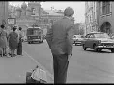 Юрий Деточкин на Варварке. Вдали маячит Георгиевская церковь. Москва, ...