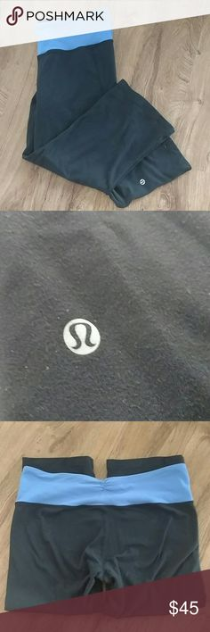 Lululemon Gather and Crow Crops In EUC! Blue and black. Pet and smoke free home! lululemon athletica Pants Ankle & Cropped