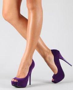 DearMsLilith: Natalie Portman: Blue Dress, Purple Heels.