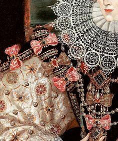 деталь одежды дамы