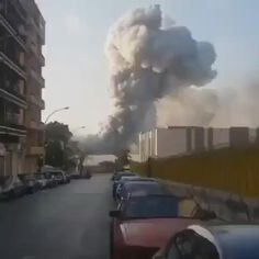 Funny Short Videos, Funny Video Memes, Beste Gif, Beirut Explosion, Military Videos, Wow Video, Weird Gif, Explosions, Wow Art