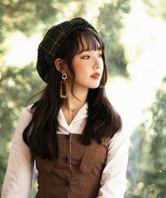K-Pop Babe Pics – Photos of every single female singer in Korean Pop Music (K-Pop) Kpop Girl Groups, Korean Girl Groups, Kpop Girls, Sinb Gfriend, Gfriend Sowon, Korean Girl Band, Bubblegum Pop, Cloud Dancer, Fandom